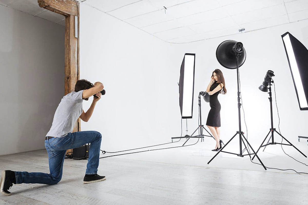 How to Set Up An Apparel Photo Studio Kit